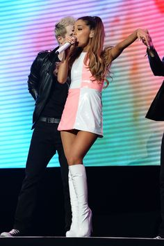 Image discovered by Ariana Matthews. Find images and videos about ariana grande and ariana on We Heart It - the app to get lost in what you love. Ariana Grande Legs, Ariana Grande Fotos, Ariana Grande Outfits, Ariana Grande Pictures, Ariana Grande Problem, Ariana Grande Vestidos, Traje Casual, Dangerous Woman, Stage Outfits