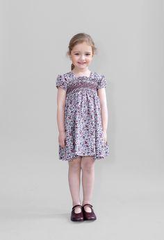 Friki-Traje-niña-puntos-modelo-Sofia