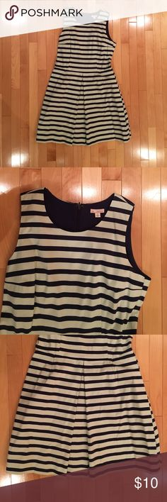 Cotton blend dress This dress has pockets! Navy blue and light blue stripes. Comfortable! GAP Dresses