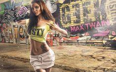 Sexy Cute And Beautiful Tattooed Slim Brunette Girl Wallpaper Street Look, Street Style, Brunette Girl, Looking For Women, Girl Photos, Party Wear, Party Dress, Sexy Women