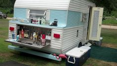 Camper Trailers Exterior Airstream - Everything About Caravan Old Campers, Vintage Campers Trailers, Retro Campers, Vintage Caravans, Camper Trailers, Vintage Motorhome, Airstream Campers, Happy Campers, Retro Rv