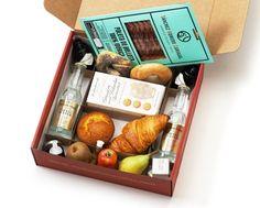 www.matiasbuenosdias.com Desayunos a domicilio. Gift Baskets, Catering, Barcelona, Breakfast, Boxes, Gifts, Food, Custom Boxes, Meals