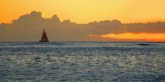 'Segeltörn vor Hawaii' von Dirk h. Wendt bei artflakes.com als Poster oder…