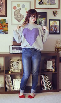heart sweatshirt diy. I've already done this, but I want another :)