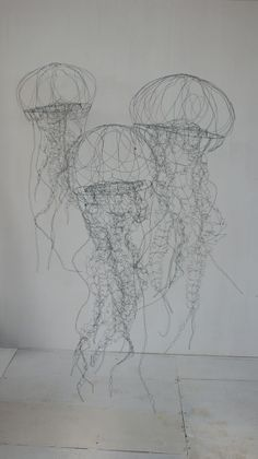objets fils de fer sculptures et objets: Installation in wire contemporary art sculpture installation of jellyfish