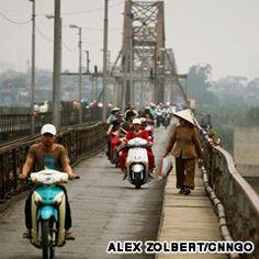 long bien bridge hanoi
