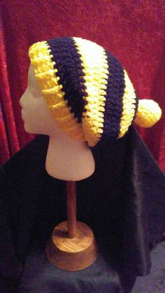 Check out this item in my Etsy shop https://www.etsy.com/listing/493764577/black-and-gold-crochet-slouchy-black-and