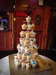 Cupcakes for Vanessa and Joel's wedding