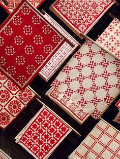 """""""Infinite Variety: Three Centuries of Red and White Quilts"""" 