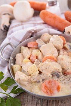 Blanquette de veau façon grand-mère 20 Min, Beignets, Cheeseburger Chowder, Family Meals, Cantaloupe, Potato Salad, Waffles, Sausage, Soup