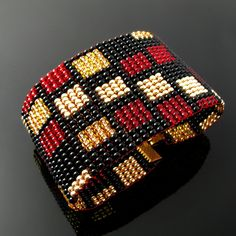 Bead loomed bracelet with rectangle pattern | Loomed from Cz… | Flickr