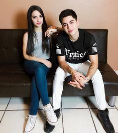 LINDURAS 💓 nuevo video en mi canal con este muchacho, el link esta en mo biografia ✨ Cute Youtube Couples, Cute Couples, Juki, Photos Tumblr, Photo Poses, Couple Goals, Normcore, Hipster, Instagram