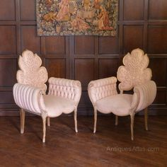 Have a look at this fantastic unique chair - what an inventive design and development Art Deco Furniture, Funky Furniture, Unique Furniture, Luxury Furniture, Furniture Design, Home Decor Hooks, Home Decor Accessories, Style Vintage, Vintage Design