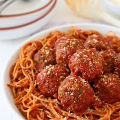 Mama's best ever spaghetti and meatballs made better with mozzarella cheese. A super comforting meal with step-by-step photos. Beef Soup Recipes, Top Recipes, Pasta Recipes, Dinner Recipes, Cooking Recipes, Sausage Recipes, Shrimp Recipes, Salmon Recipes, Copycat Recipes