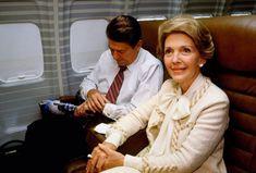 Aké boli prvé dámy posledných amerických prezidentov? Jedna z nich svojho manžela nenávidela ako politika - Akčné ženy Nancy Reagan, Journalism, My Sister, Year Old, Roman, Presidents, New York, Couple Photos, My Love