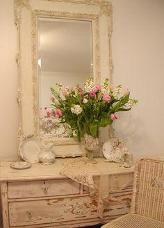 DreamDecorDesign.com <3 Romantic Vignette in Guest Bedroom