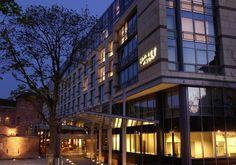 Hyatt Regency Mainz at night