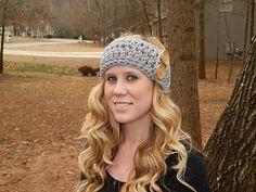 The Amelia Earwarmer #crochet pattern is now absolutely FREE! #mmmakers #twobrothersblankets