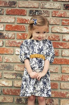 gorsh, another peasant dress? Cute Dresses, Vintage Dresses, Girls Dresses, Baby Girl Romper, Baby Dress, Baby Fashionista, Cute Kids Fashion, Little Girl Outfits, Sewing Clothes
