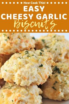 Love Those Cheddar Bay Biscuits At Red Lobster? With This Recipe For Easy Cheesy Garlic Biscuits, You Can Enjoy Some Of That Soft, Buttery, Cheesy Garlicky Deliciousness At Home Any Time - From Scratch - In Less Than 30 Minutes Garlic Cheese Biscuits, Garlic Cheddar Biscuits, Canned Biscuits, Easy Biscuits, Recipes For Biscuits, Recipe For Homemade Biscuits, Biscuits From Scratch, Baking Biscuits, Homemade Garlic Bread