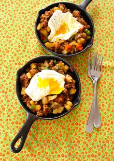 Cowboy Hash Skillet - perfect meal for a day on the range - who doesn't carry tiny frying pans in their pack? :P