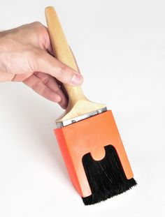 The 'Brush Guard' restricts the brushes bristles from spanning out when pressure is applied, giving the user greater control when painting straight lines. It also promotes tool longevity to often throw away tools keeping the brushes shape when not in use.