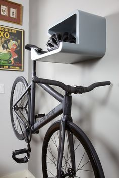 How's it hanging? The first bicycle shelf that does not discriminate against missing top tubes. For fixie, road, cyclo-cross, mountain and BMX bikes - Gallery   DaHÄNGER