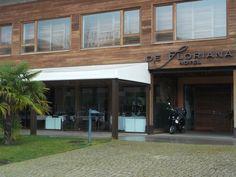 Restaurante De Floriana (3) Entrada y comedor con vidriera al exterior. #hotel #habitaciones #rooms #restaurant #molinaseca #leon #bierzo #spain #caminodesantiago