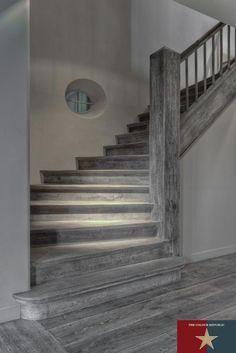 dark grey hardwood floors - such a unique look