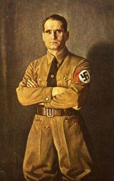 Рудольф Гесс — кумир современных неонацистов. Личный секретарь Гитлера, глава партийного аппарата НСДАП, он был влиятельным членом «старой гвардии» в нацистской верхушке. В 1941 году Гесс вдруг сорвался с места и совершил полет в Великобританию, желая договориться с Англией о перемирии. Как официально считается — по личной инициативе. Он прыгнул с парашютом над английской территорией, там, по официальной версии, был арестован, посажен в тюрьму, а после войны осужден на пожизненное…