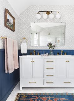 When you love the color blue so much you out it in every room. #bathroomideas #interiordesign #modern #traditional