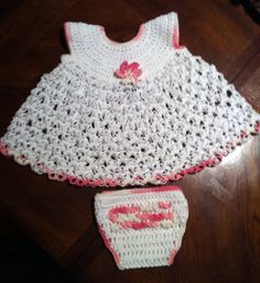 Baby Dress Solomon's Knot Stich  Pattern by Crochet Geek (Youtube)  Ruffled Diaper Cover  Pattern by Kelly Carpo (Free Crochet Pattern)