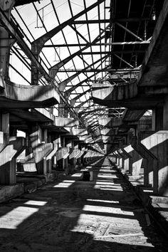 Punto di fuga, A. Ferro #foto d'autore in vendita su Pixtury.com