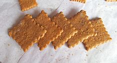 A recipe for graham crackers made with buckwheat flour. Gluten free and vegan. Healthy and easy recipe to make. Crunchy, sweet and nutty taste.