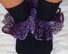 Dont Eat the Paste: Ruffle Socks- pattern (CROCHET) - could be put on end of sleeves also Ruffle Yarn Projects, Sashay Yarn Projects, Crochet Projects, Craft Projects, Crochet Ruffle, Crochet Yarn, Crotchet, Crochet Stitches, Free Crochet