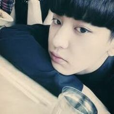 Byun Baekhyun didn't think that being a makeup artist would be this hard. Mostly when you have to apply makeup to the famous Korean rapper, Park Chanyeol. Exo Chanyeol, Baekyeol, Chanbaek, Wattpad, Exo 12, Exo Korean, Korean Idols, Xiu Min, Shinee