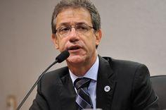 Ministro da Saúde não acredita em vacina viável contra a dengue em 2016.