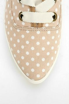 Keds polka dot sneakers http://rstyle.me/n/hhdq5r9te