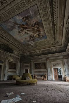 Abandoned Mansion For Sale, Old Abandoned Buildings, Abandoned Property, Abandoned Castles, Abandoned Mansions, Old Buildings, Abandoned Places, Beautiful Ruins, Beautiful Buildings