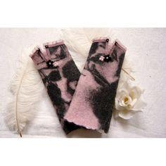 Rosalind wurden aus meliertem Walk genäht und mit einer Organzaborte verziert. - 22,50€ Half Gloves, Walk In, Elegant, Vintage, Bracelets, Fashion, Gloves, Fingerless Gloves, Dusty Pink