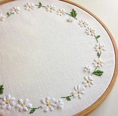 embroidery daisy hoop