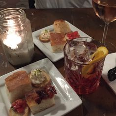 O melhor aperitivo! #roma #rome #receitaitaliana #receitas #receita #recipe #ricetta #cibo #culinaria #italia #italy #cozinha #belezza #beleza #viagem #travel #beauty #hh #happyhour #aperitivo #negroni #lazanzara