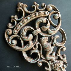 How To:  Faux Rusty Verdigris Finish on Metal Using Chalk Paint