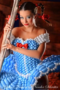 Balloon Fashion by Nandor Schreiter #fashion #balloon #qualatex #balloonfigure #dress