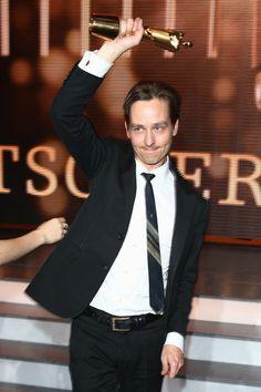 Tom Schilling   Tom Schilling Tom Schilling poses with his award at the Bavarian Film Awards.