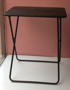 metallinen klaffipöytä . korkeus 71cm . leveys 60cm . syvyys 45cm . #kooPernu