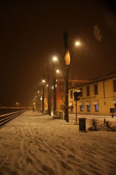 Sarnico,lungolago www.centrostoricosarnico.it