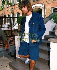 Oasis Style, Liam Gallagher Oasis, Band Photos, Music Bands, Cool Bands, Parka, The Incredibles, Street Style, Mens Fashion