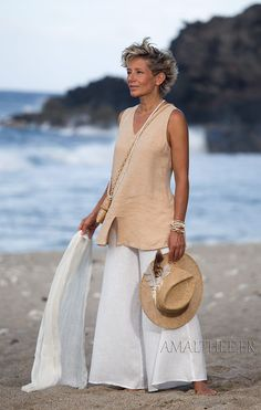 Flax linen summer outfit: beige top and white flare pants
