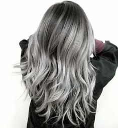 """467 Me gusta, 7 comentarios - Fanola Professional USA (@fanola) en Instagram: """"Silver and grey contrast by @sammiiwang Tell us what you think about this color!"""""""